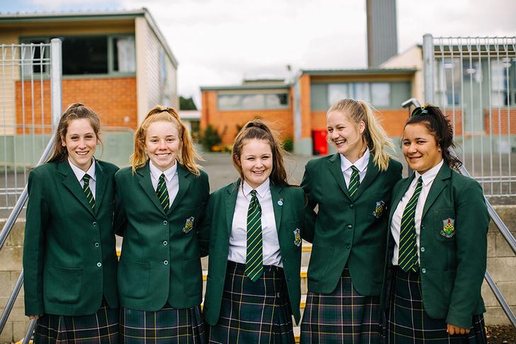 Фото №2 - Как быть модной в школьной форме: лайфхаки для стильных девчонок