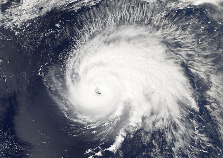 Фото №1 - В Атлантике зафиксирован рекорд по количеству штормов