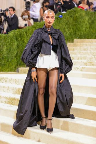 Фото №54 - Met Gala 2021: все модные образы бала Института костюма