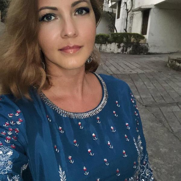 Фото №1 - Инфаркт в первом классе и сломанная личная жизнь: что стало с Ириной Поляковой, в 14 лет поступившей в МГУ