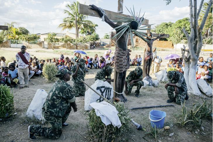Фото №7 - И в Африке Пасха: мистерия «Крестный путь» в Мозамбике