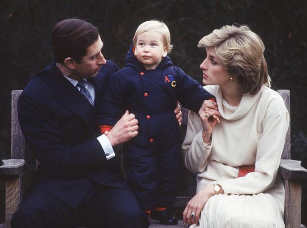 Фото №2 - Два будущих Короля: какими были отношения Чарльза и Уильяма все эти годы