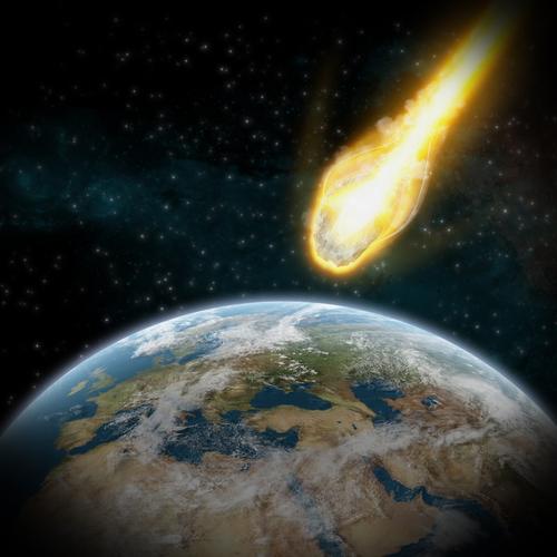 shutterstockВ Солнечной системе помимо девяти больших планет находится великое множество малых, иначе астероидов. В настоящее время зарегистрировано около 10 000 астероидов, им присвоены номера и даны имена. Открыла счет малая, но при этом самая крупная из известных астероидов, планета Церера. Ее совершенно случайно обнаружил в новогоднюю ночь 1801 года итальянский астроном Джузеппе Пиацци.