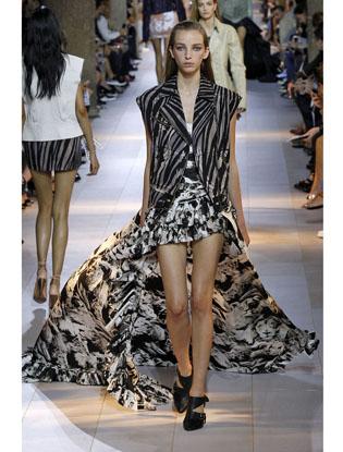 Фото №7 - Неделя моды в Милане: Versace, Roberto Cavalli, DSquared2