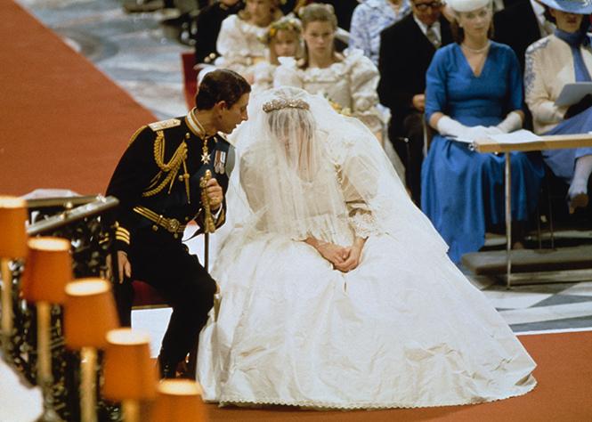 Фото №13 - Свадебное платье-катастрофа принцессы Дианы