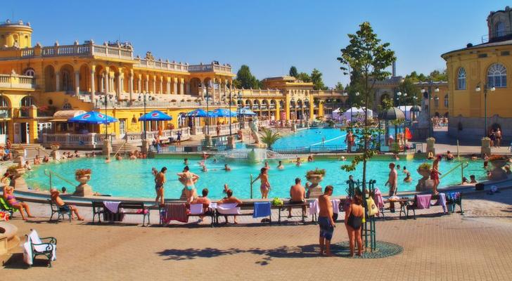 Фото №2 - 6 лучших купален Европы
