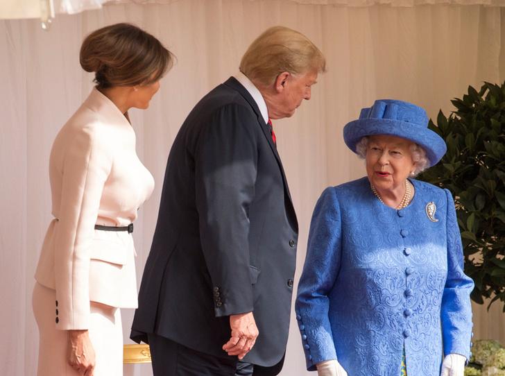 Фото №3 - Нарушил или нет: чего не сделал Дональд Трамп при встрече с Королевой (и был ли должен)