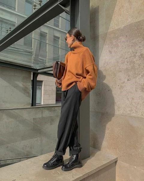 Фото №5 - Фэшн-идея: с чем носить объемный свитер
