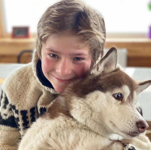 Фото №1 - Дочь Дмитрия Пескова показала редкое фото своего младшего брата