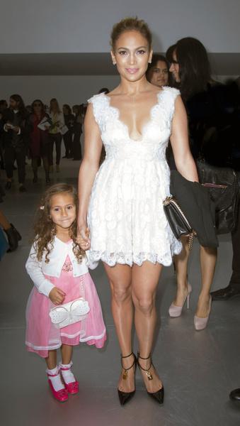 Фото №2 - Из маминой принцессы в бунтарку: что случилось с дочерью Дженнифер Лопес