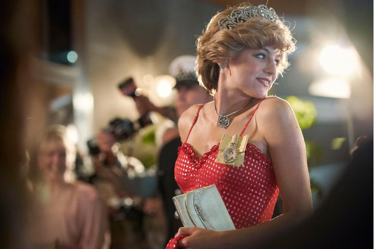 Фото №2 - Баттл: Какие сериалы должны получить «Эмми» в 2021?