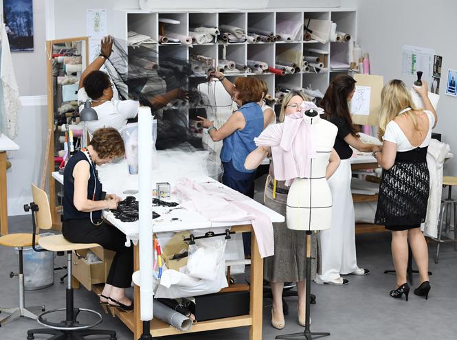 Фото №5 - Швейная мастерская: кутюрный показ Chanel F/W 16-17