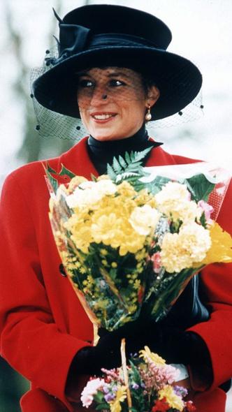 Фото №5 - Подражая Диане: наряды Кристен Стюарт в роли принцессы Уэльской