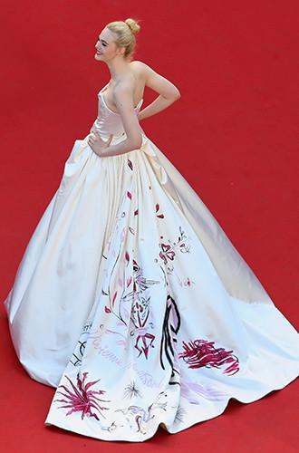 Фото №70 - Войти в историю: 35 культовых платьев Каннского кинофестиваля