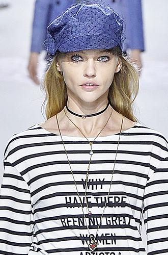 Фото №25 - Без излишеств: мода на лаконичные украшения (и где их искать этим летом)