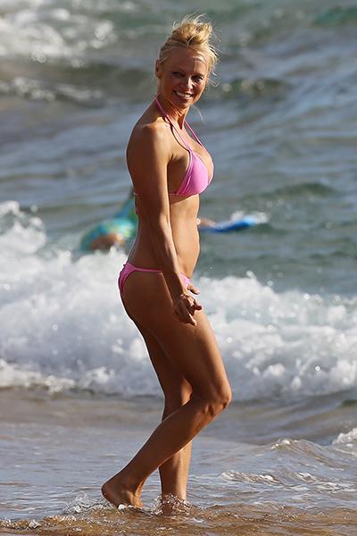 Памела Андерсон в купальнике