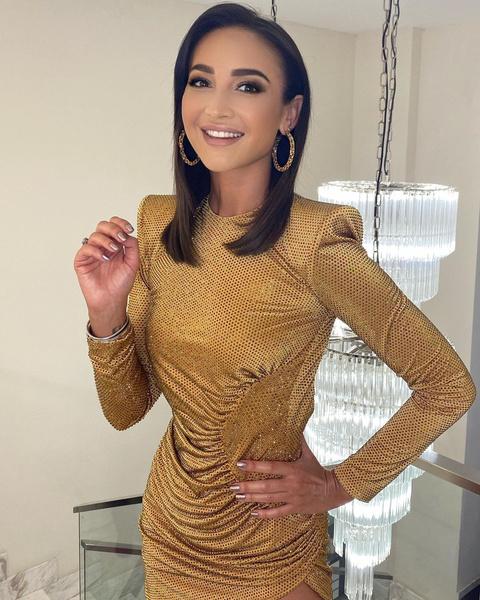 Фото №1 - Как одно и то же платье выглядит на Ольге Бузовой и Анастасии Костенко