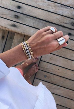 Фото №3 - Как сочетать золотые и серебряные украшения: советы стилиста