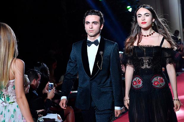 Фото №20 - Аристократки на секретном показе Dolce & Gabbana в Милане