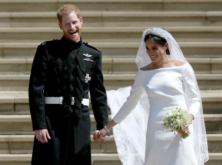 Фото №2 - Сколько стоила свадьба Гарри и Меган (и сколько на ней удалось заработать)