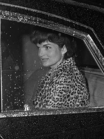 Фото №5 - Азбука стиля Жаклин Кеннеди: 10 вещей, которые она сделала культовыми