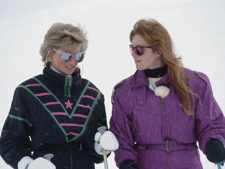 Фото №4 - Выгодная дружба: как Сара Фергюсон зарабатывает на принцессе Диане после ее смерти