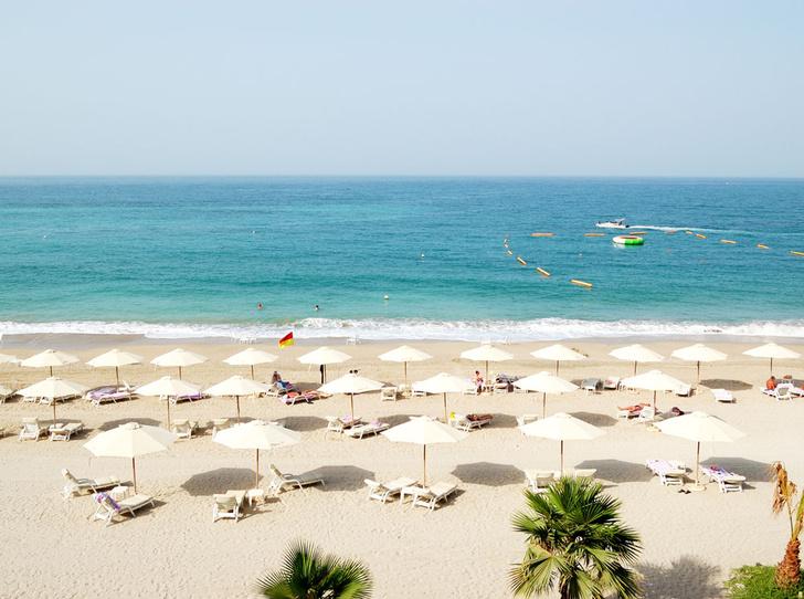 Фото №7 - Из зимы в лето: 6 пляжей, на которых можно встретить Новый год