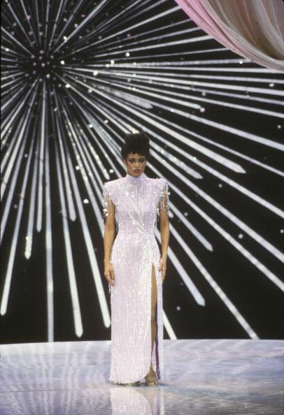 Фото №1 - Лучшие платья «Оскара». 1980-е