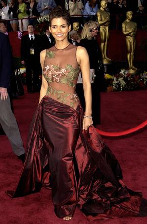 Фото №24 - Легенды «Оскара»: самые известные платья в истории премии