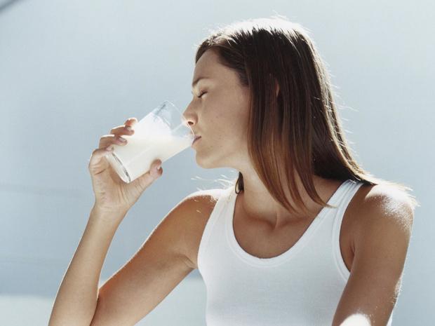 Фото №1 - Пить или не пить: чем опасно молоко?