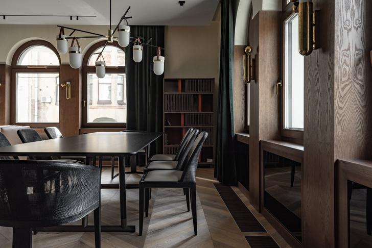 Фото №5 - Петербургский классицизм в современном ключе: квартира 195 м²