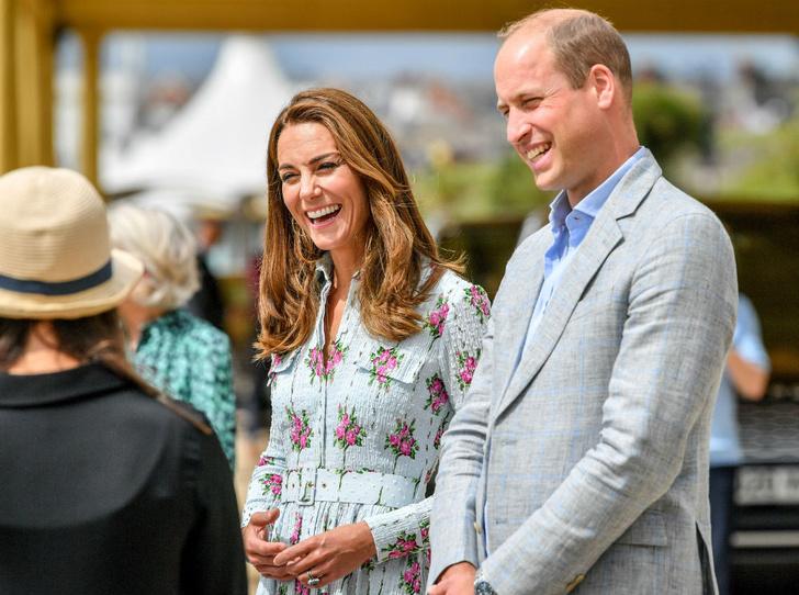 Фото №2 - Жертва королевы: чего Кейт лишится, когда Уильям взойдет на престол