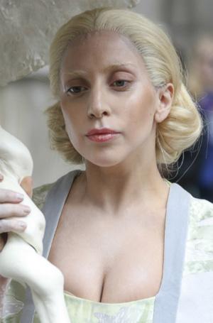 Фото №21 - Как хорошела Леди Гага: все о громких бьюти-экспериментах звезды