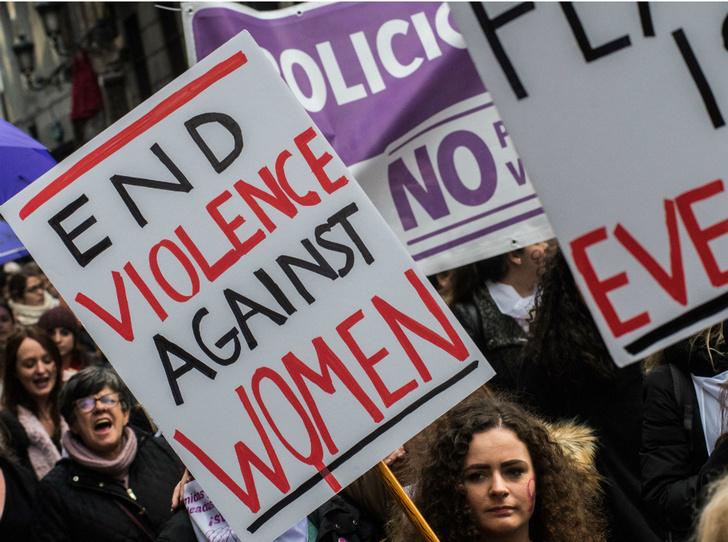 Фото №2 - Легализация изнасилований и отмена алиментов: за что борются члены мужских движений