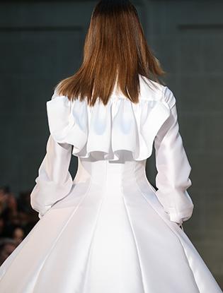 Фото №32 - В деталях: лучшие свадебные платья haute couture осень/зима 2016