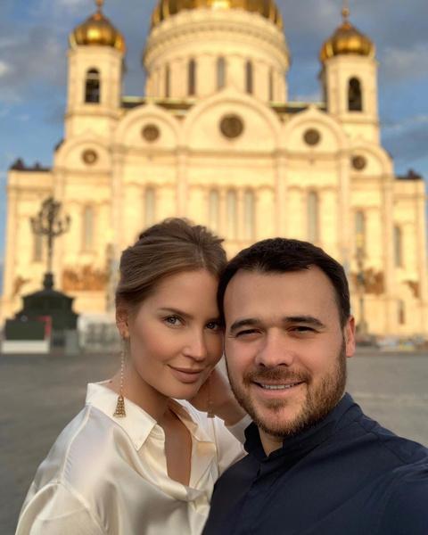 <p>Алена Гаврилова и Эмин Агаларов</p>