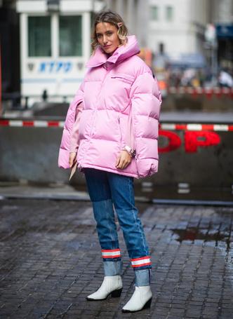 Фото №3 - Как выглядеть женственно в пуховике: модные уловки и идеи