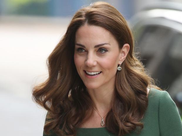 Фото №1 - Какой титул Кейт могла получить после свадьбы (но согласилась на герцогиню)
