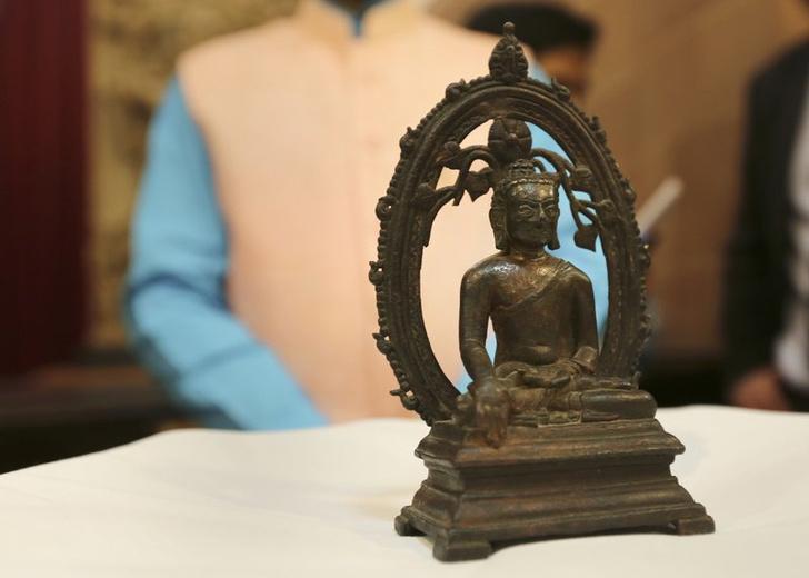 Фото №1 - В Индию вернулась похищенная 57 лет назад статуя Будды