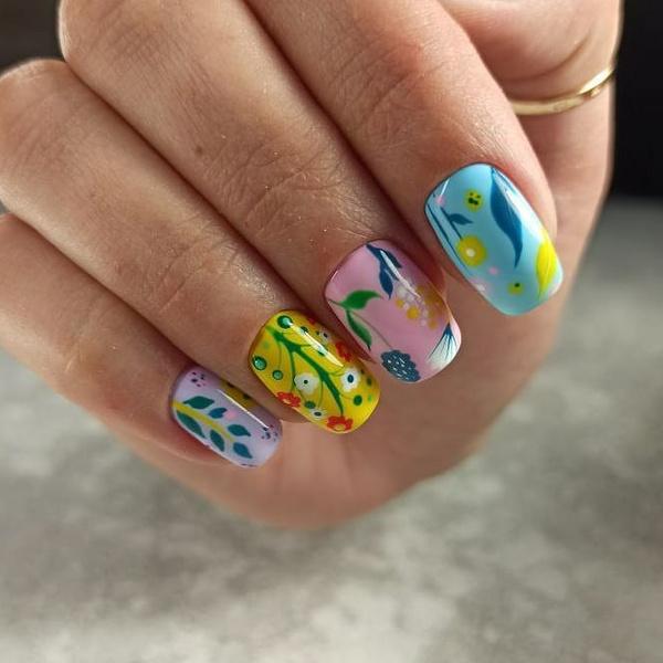 Фото №11 - Яркий маникюр: 12 летних идей для коротких ногтей