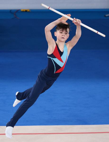 Фото №1 - Мальчики со скакалками: в Москве прошли первые соревнования по художественной гимнастике для юношей
