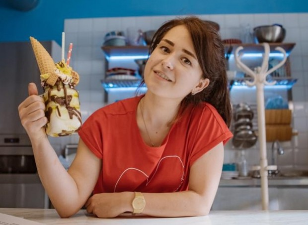 Фото №2 - Как приготовить яблочный пирог: рецепт из сериала «ИП Пирогова»