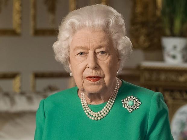 Фото №1 - Символы и знаки: что означает тайное «ювелирное» послание Королевы