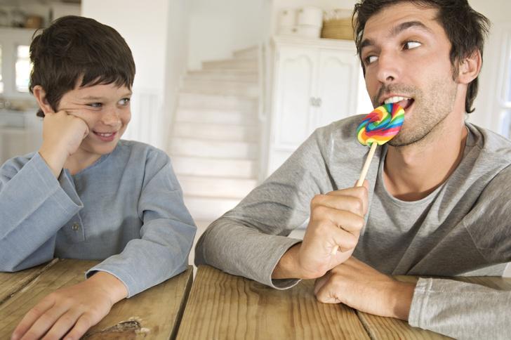 Фото №2 - Как правильно вести себя с ребенком твоей девушки