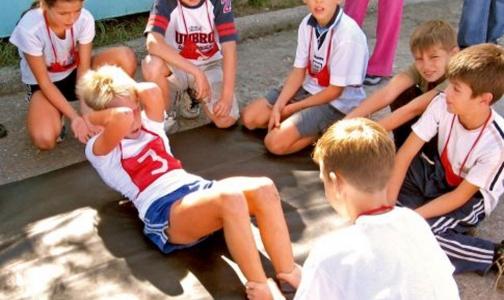 Фото №1 - Петербургским детям поможет поправить здоровье в школах регби и фитнес
