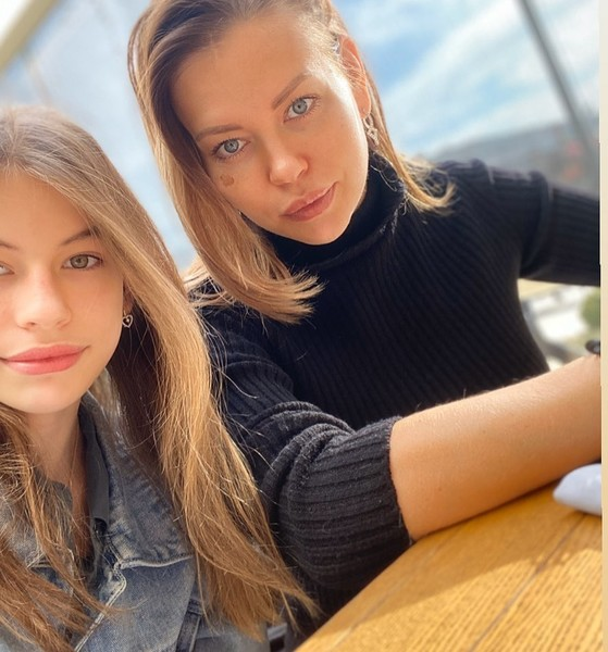 Сестра Ирины Шейк и ее племянница