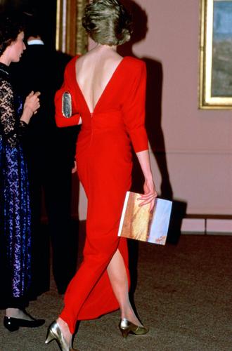 Фото №8 - 60 красных нарядов: как принцесса Диана носила любимый цвет