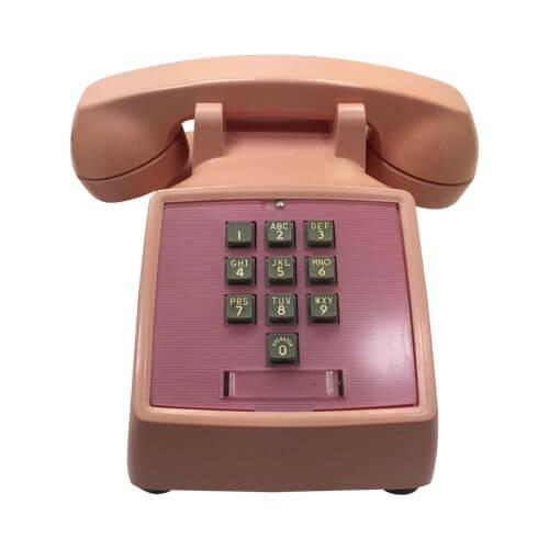 Первый в мире кнопочный телефонный аппарат с тоновым набором— WE1500 от Bell Laboratories (1963).