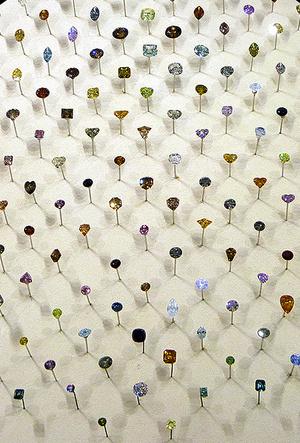 Фото №3 - Цветные бриллианты: почему все сходят по ним с ума