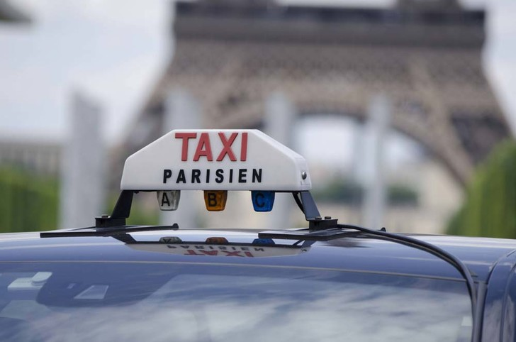 Фото №4 - По земле, воздуху и воде: как работает такси в разных уголках мира